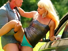 Outdoor blowjob with slender blonde Nella Elmer