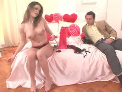 Salty babe Sphyncter Cherry blowjobs her sugar daddy