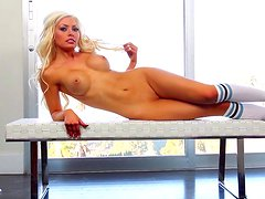 Jayden Marie demonstrates her truly perfect body