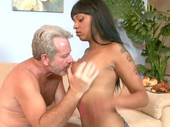 Mature white dude enjoys banging ebony beauty Porscha Carrera