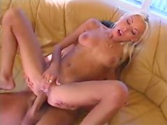 Skinny blonde hottie gives up the ass