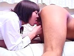 Short haired brunette Rynzaki Nanaha provides a dude with a rimjob