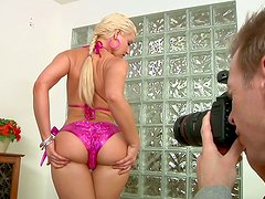 Bootylicious blonde Annika Albrite chokes on the dick of Mark Wood
