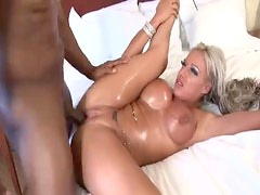 Misionero - Bimbo gets a big load from the black guy