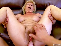 Dirty granny Effie parts her legs and gets her hairy