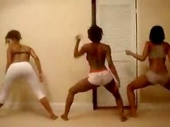 3 Sexy darky ladies shaking their booties onto webcam
