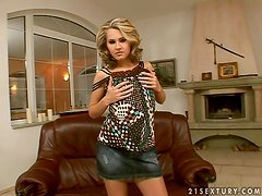 Zuzana Z. shows off her pussy and smashes it with a dildo