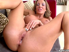Richelle Ryan sucks a fat cock and gets her vag fucked remarcably well
