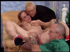 Pissing threesome with a redheaded BBW