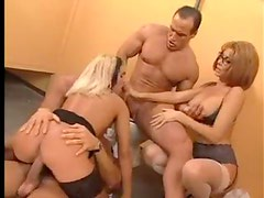 Milf gives lessons in being a slut