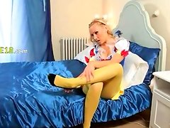 Yellow pantyhose on beautiful babysitter