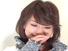 Emotionless Japanese milf Ruka Uehara masturbates in front of camera