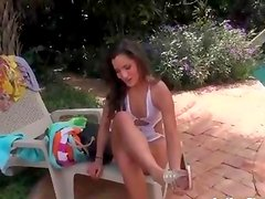 Sexy latina babe gets horny showing off