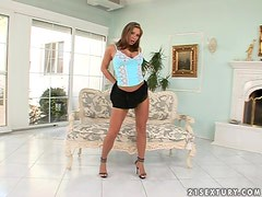 Candy Strong stuffs her holes with toys and seems to enjoy it much